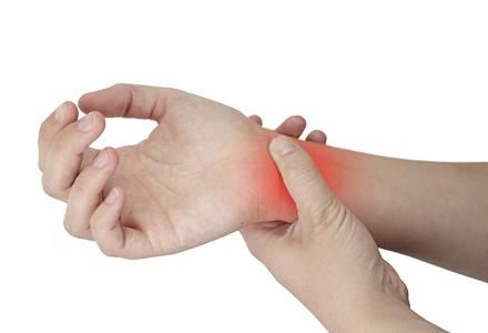 Află aici de ce te poate durea încheietura mâinii și ce trebuie să faci ca să o vindeci